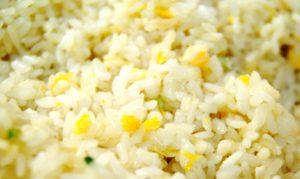 R-3 Virti apkepti ryžiai su kiaušiniu